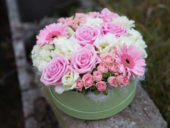Cutie cu mult roz