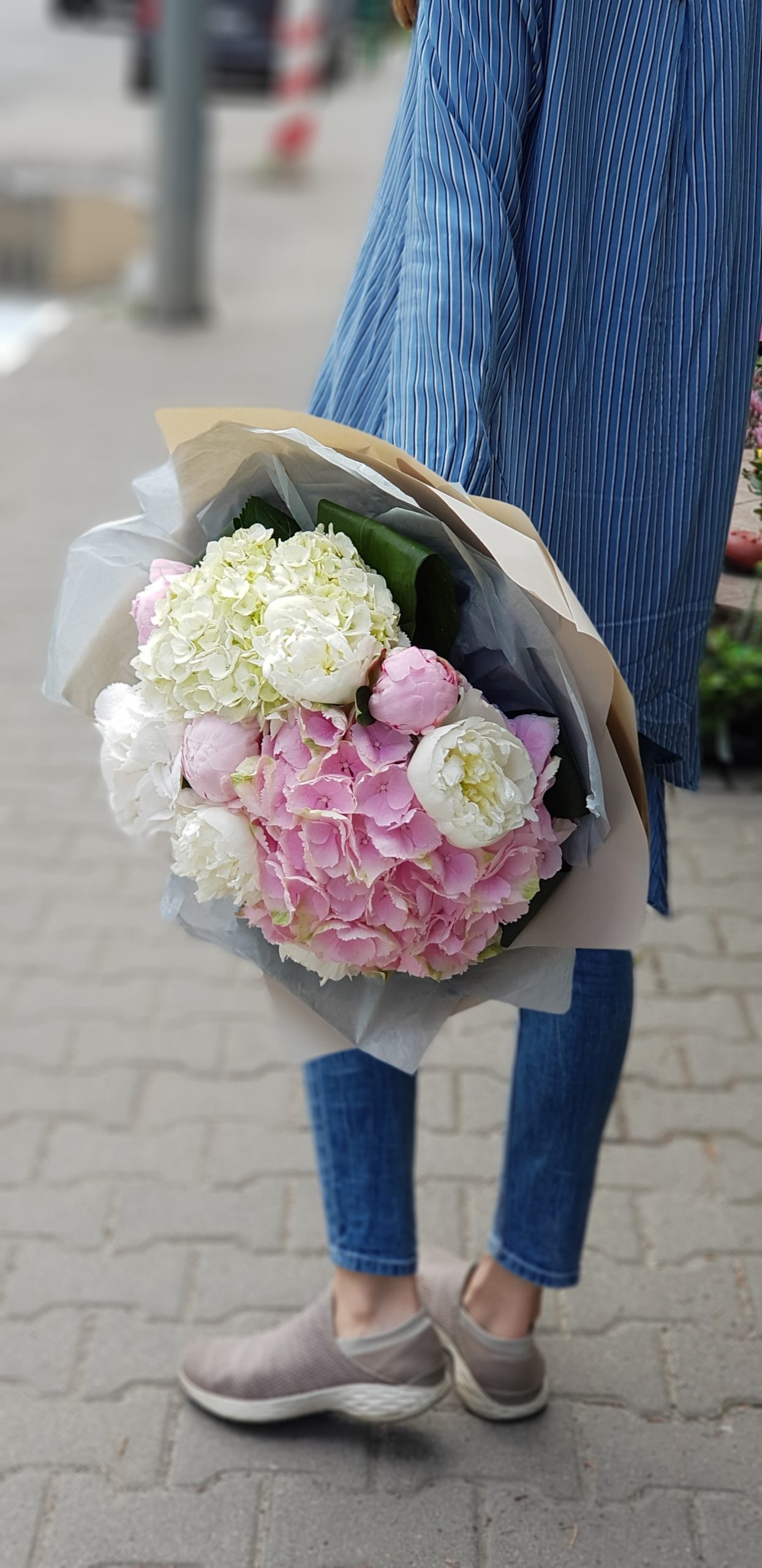 Buchet modern din flori delicate