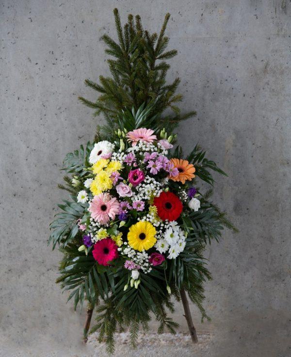Coroană din flori asortate
