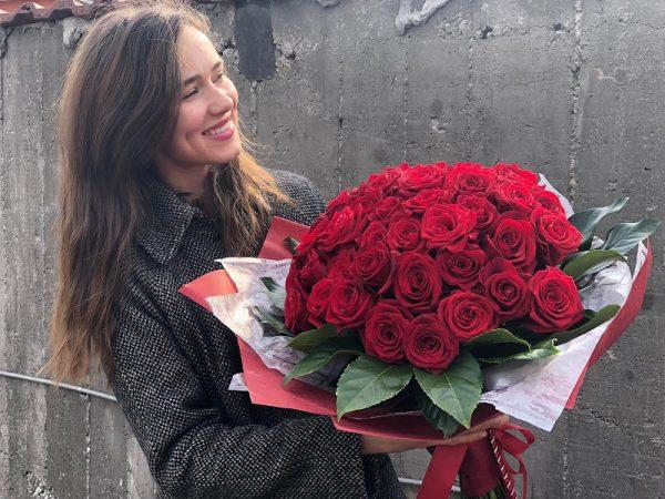 Buchet uriaș din trandafiri roșii