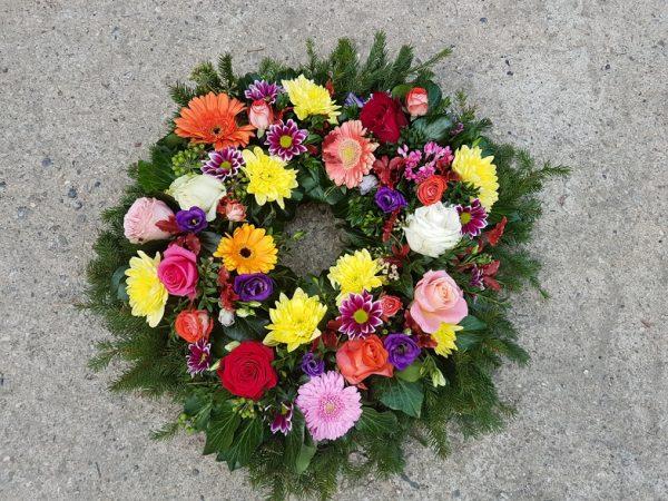 Jerbă cerc din flori asortate