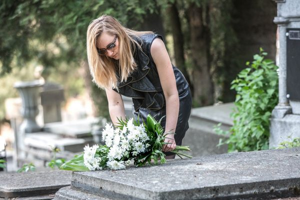 Buchet funerar din crizanteme