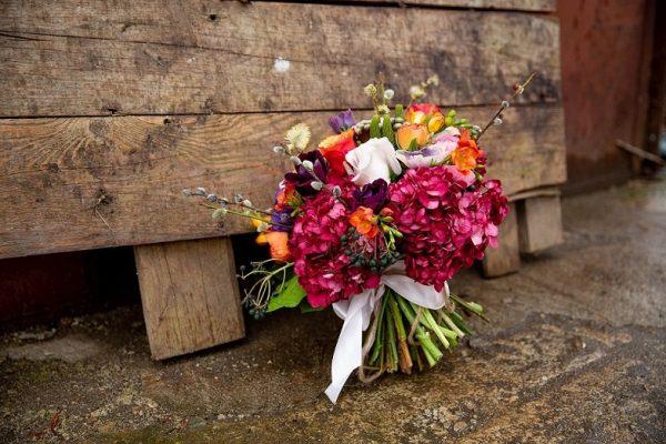 Buchet plin cu flori asortate