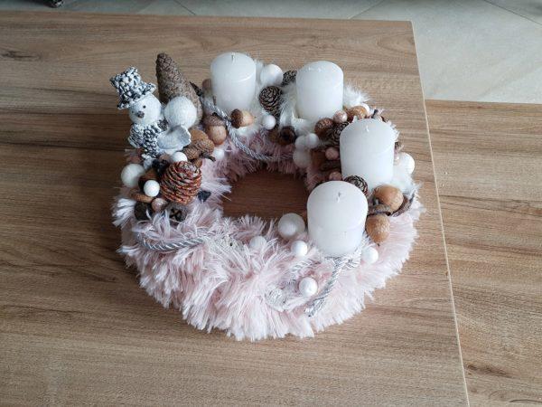 Coroniță Advent din blană în nuanțe de roz-alb